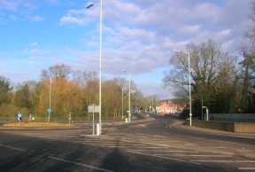 The Woosehill roundabout from the Reading Road, looking north.